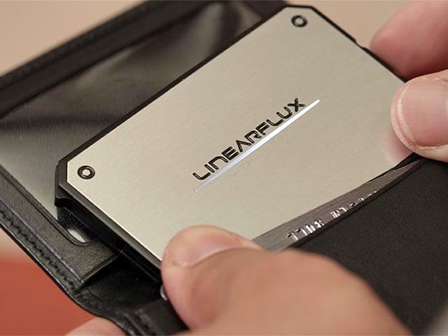 名刺サイズの超薄型バッテリー「LithiumCard」を購入したの画像。